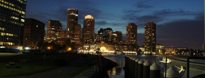 Boston in der Nacht (Quelle: BFE)