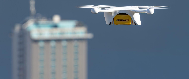 Testbetrieb einer Paket-Drohne der Swiss Post am 28.3.2017 in Lugano.